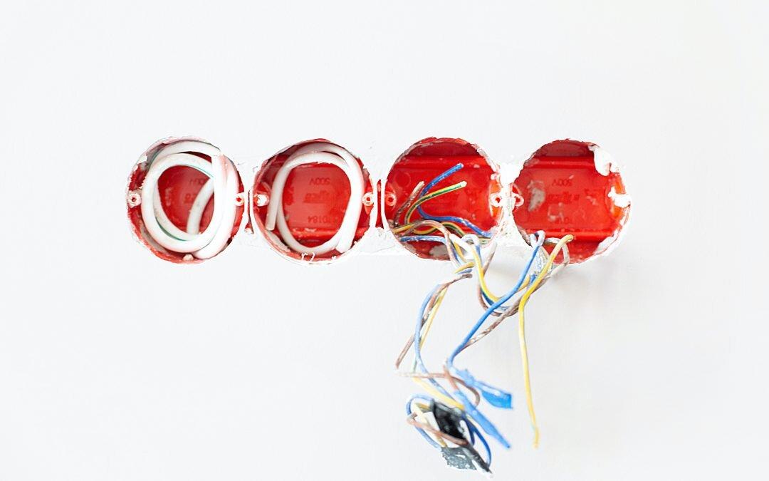 Uszkodzony kabel do domofonu